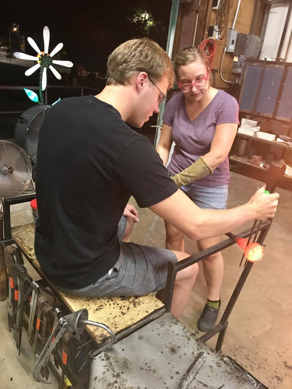 Pinching Off the Pumpkin - Decatur Glassblowing