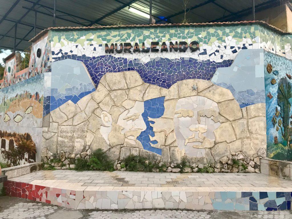 Proyecto Cultural Muraleando in Cuba